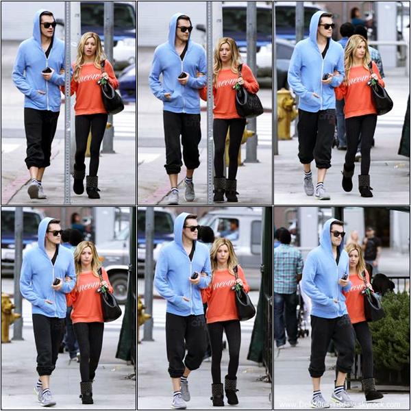 -   02/02/2013: Ashley et son petit-ami Christopher French quittant le restaurant Hugo dans West Hollywood.   -