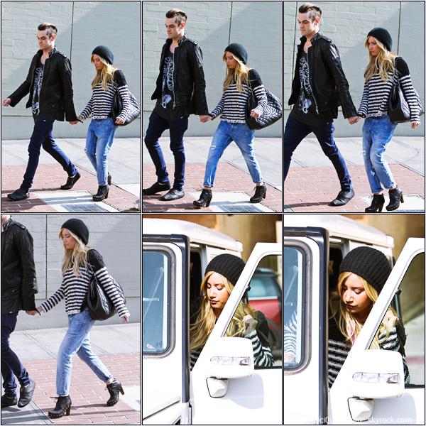 -   06/02/2013: Ashley et son petit-ami Christopher French quittant le Kings Road Cafe à Studio City.   -
