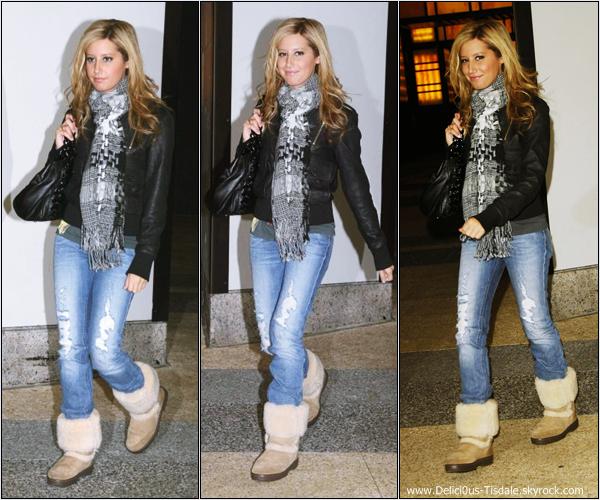 -   27/11/2007: Ashley se rendant aux studios TRL à New-York.   -