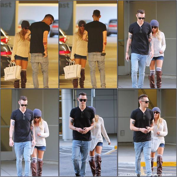 -   27/02/2013: Ashley et son petit-ami Christopher French faisant un arrêt d'urgence chez le médecin à Burbank.   -