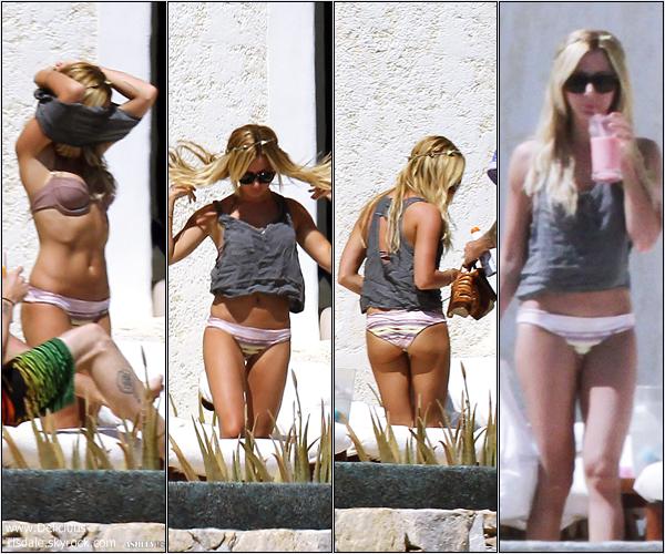 -   04/03/2013: Ashley et son petit-ami Christopher French profitant de leurs vacances à Cabo San Lucas au Mexique.   -