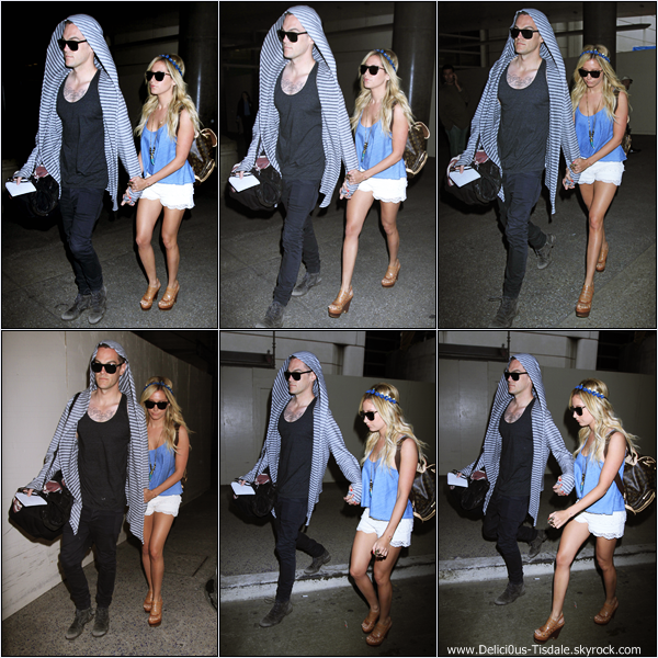 -   05/03/2013: Ashley et son petit-ami Christopher French arrivant à l'aéroport LAX de Los Angeles.   -