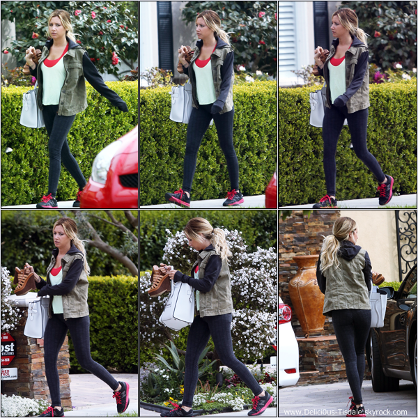 -   18/03/2013: Ashley se rendant chez ses parents à Toluca Lake.   -