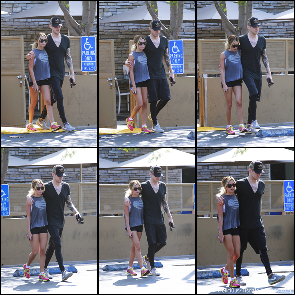 -   16/03/2013: Ashley et son petit-ami Christopher French quittant le Sharky's Woodfired Mexican Grill à Toluca Lake.   -
