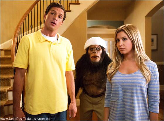 -   19/03/2013: Ashley quittant la maison de Vanessa Hudgens accompagnée de cette dernière à Toluca Lake.   -