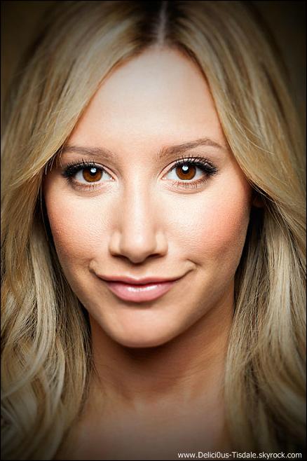 -   Photoshoot 2013: Découvrez un aperçu d'un photoshoot d'Ashley réalisé par Quantrell Colbert.   -