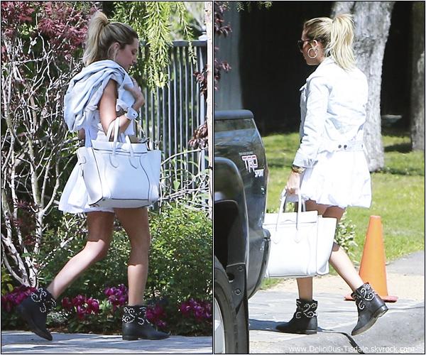 -   24/03/2013: Ashley et sa maman Lisa arrivant à la fête de Selena Gomez à Tarzana.   -