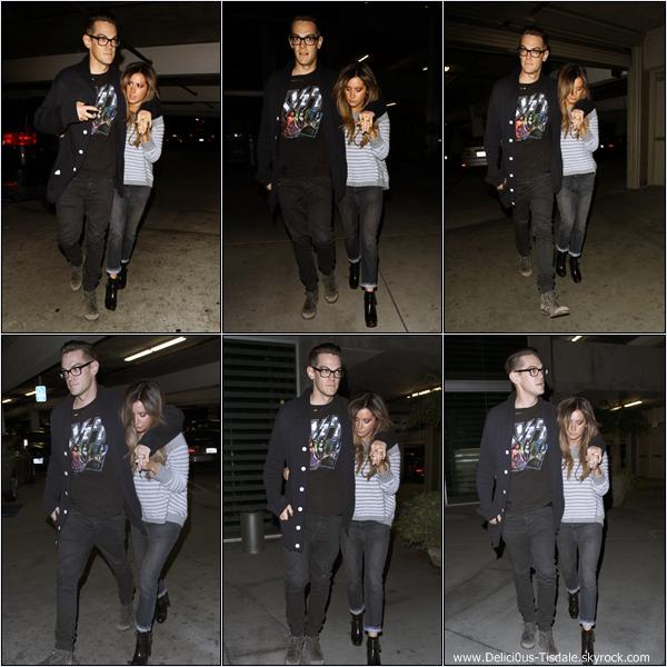 -   05/04/2013: Ashley quittant le salon de coiffure Nine Zero One dans West Hollywood.   -