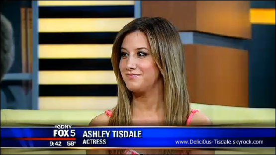-   15/05/2013: Ashley donnant une interview à l'émission FOX & Friends  à New-York.   -