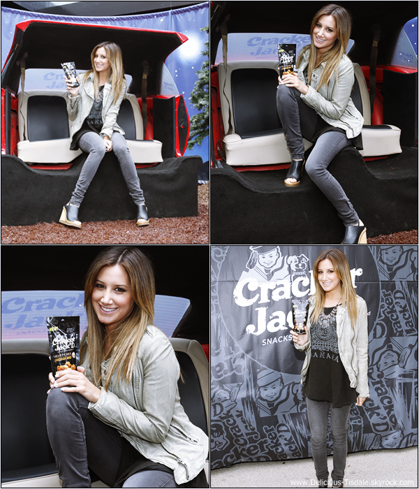 -   15/05/2013: Ashley assistant au First Time with Cracker Jack'D à New-York.   -