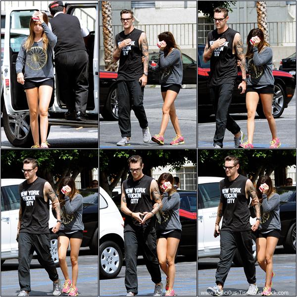 -   17/05/2013: Ashley et son petit-ami Christopher French allant manger au restaurant Mo à Toluca Lake.   -