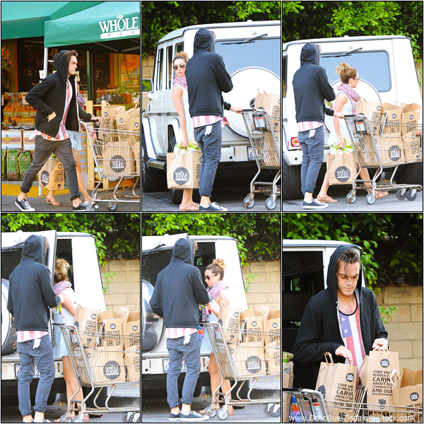 -   21/05/2013: Ashley et son petit-ami Christopher quittant le magasin Whole Foods à Sherman Oaks.   -