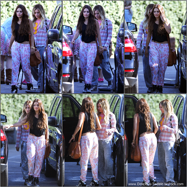 -   26/06/2013: Ashley et son amie Vanessa Hudgens quittant un studio de danse à Los Angeles.   -