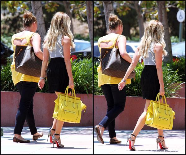 -   23/07/2013: Ashley quittant sa maison à Toluca Lake.   -