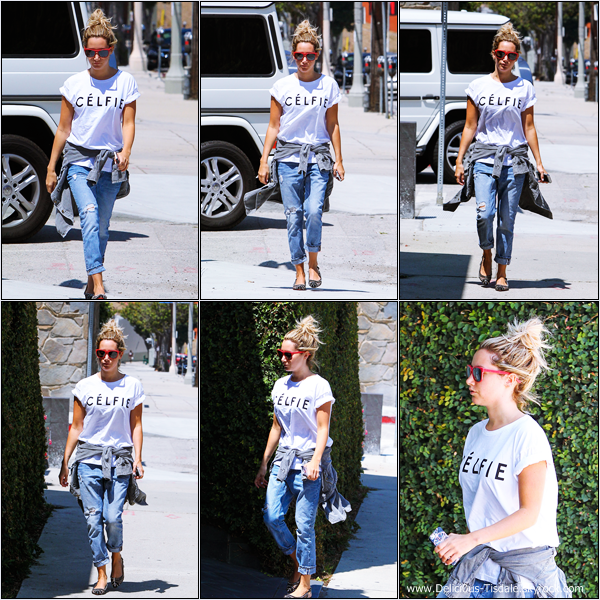 -   06/08/2013: Ashley faisant du shopping sur Robertson Boulevard.   -
