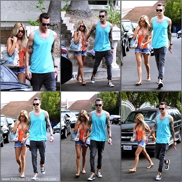 -   01/09/2013: Ashley et son fiancé Christopher French célébrant le 4ème anniversaire du salon de coiffure  Nine Zero One Salon à Los Angeles.   -