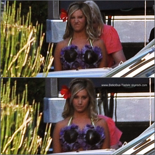 -   18/09/2013: Ashley sur le tournage de la série Super Fun Night à Los Angeles.   -
