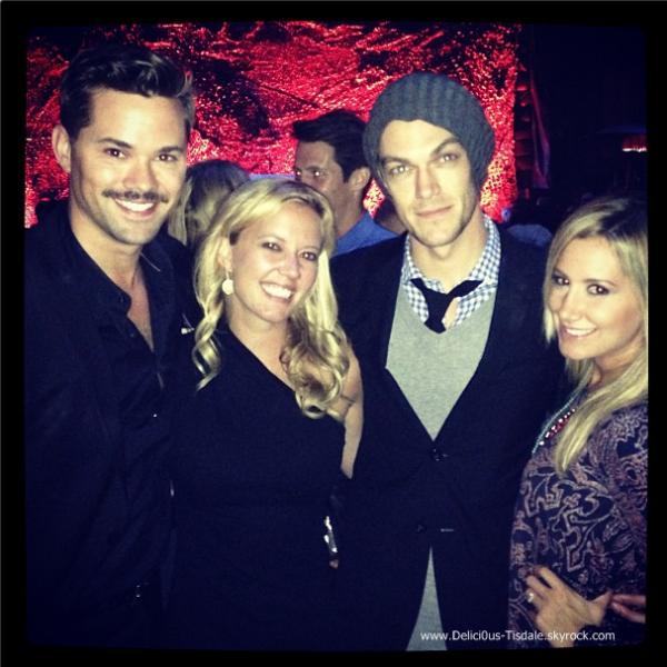 -   03/10/2013: Ashley assistant au lancement de la 4ème saison de la série The Walking Dead à Universal City.   -