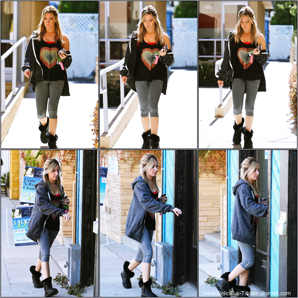 -   07/10/2013: Ashley se rendant au WundaBar Pilates dans Studio City.   -