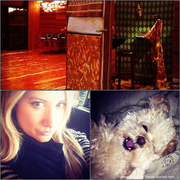 -   09/10/2013: Ashley et son fiancé Christopher French arrivant/quittant le WundaBar Pilates à Studio City.   -