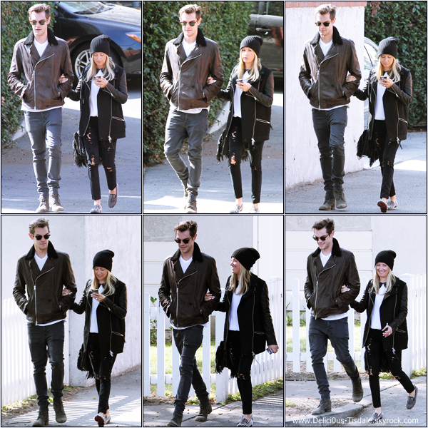 -   24/10/2013 : Ashley et son fiancé Christopher French allant déjeuner au Aroma Cafe dans Studio City.   -