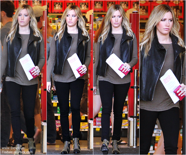 -   27/10/2013 : Ashley quittant la pharmacie Rite Aid dans Studio City.   -
