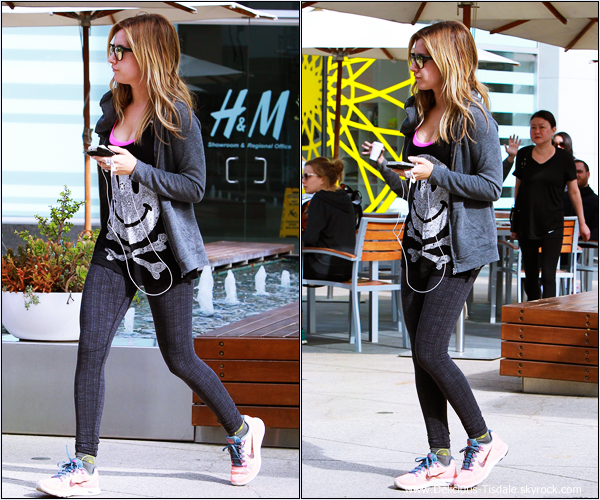 -   19/11/2013 : Ashley arrivant à la salle de gym Equinox dans West Hollywood.   -