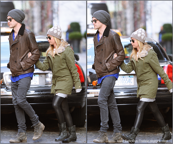 -   03/12/2013 : Ashley et son fiancé Christopher se promenant dans les rues de New-York.   -