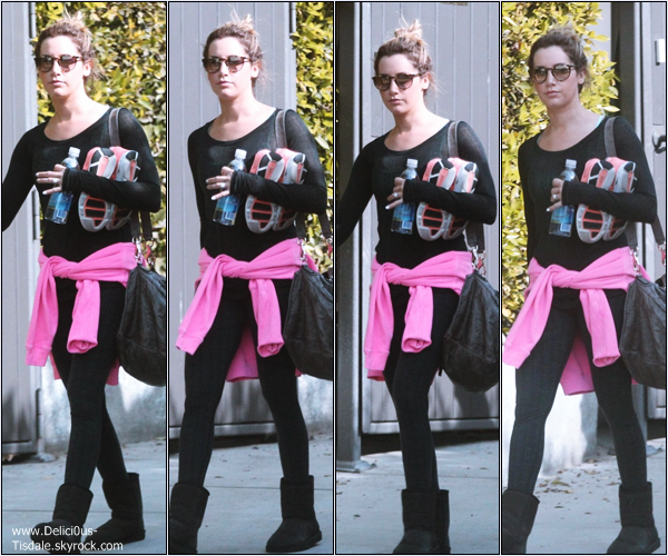 -   03/01/2014 : Ashley quittant son cours de gym dans West Hollywood.   -