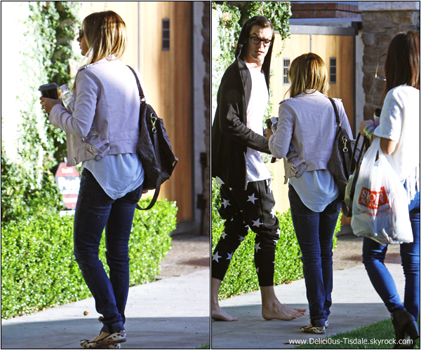 -   25/01/2014 : Ashley devant chez elle avec son fiancé Christopher French et son amie Kim Hidalgo à Toluca Lake.   -
