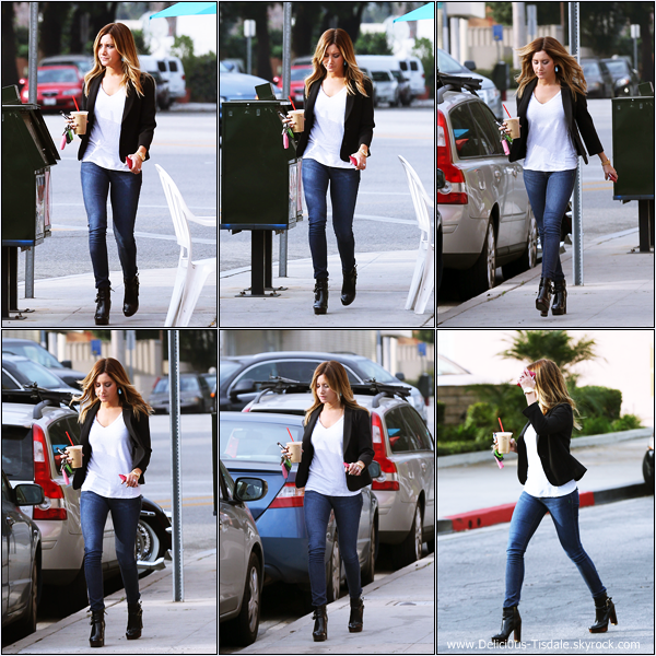 -   28/01/2014 : Ashley allant se chercher un café à Toluca Lake.   -
