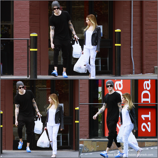 -   02/02/2014 : Ashley et son fiancé Christopher French faisant quelques courses chez Whole Foods dans Studio City.   -