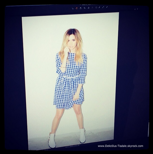 -   12/02/2014 : Ashley en plein photoshoot pour le Boohoo Stylefix Magazine.   -