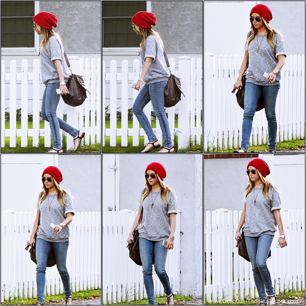 -   19/02/2014 : Ashley quittant le Toast Bakery Cafe dans West Hollywood.   -