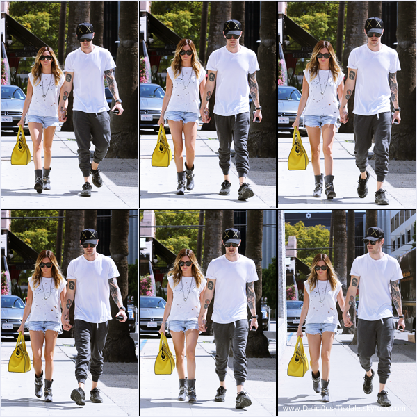 -   12/03/2014 : Ashley et son fiancé Christopher French quittant la boutique Planet Blue à Beverly Hills.   -
