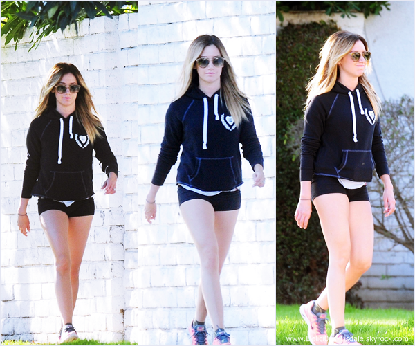 -   10/03/2014 : Ashley rentrant de son cours de gym à Toluca Lake.   -