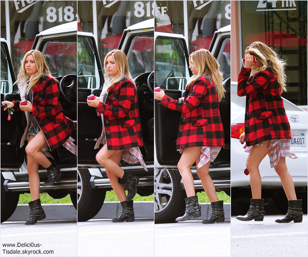 -   26/03/2014 : Ashley arrivant/quittant le Priscilla's Gourmet Coffee, Tea & Gifts à Burbank.   -