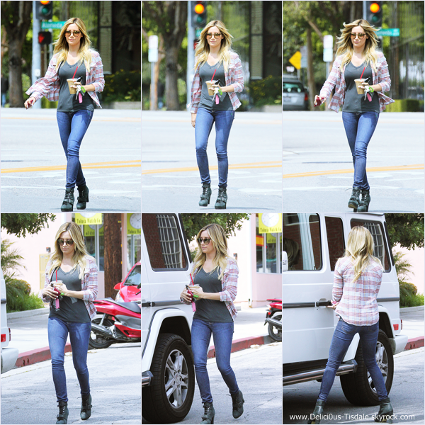 -   04/04/2014 : Ashley quittant un studio à Los Angeles.   -