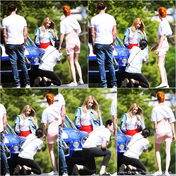-   22/04/2014 : Ashley en pleine séance d'un photoshoot à Los Angeles.   -
