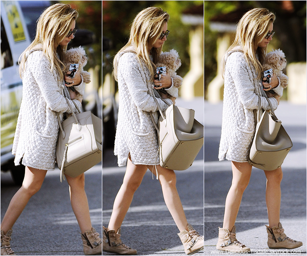 -   23/04/2014 : Ashley, son fiancé Christopher French et sa chienne Maui arrivant/quittant le lieu du photoshoot à Los Angeles.   -