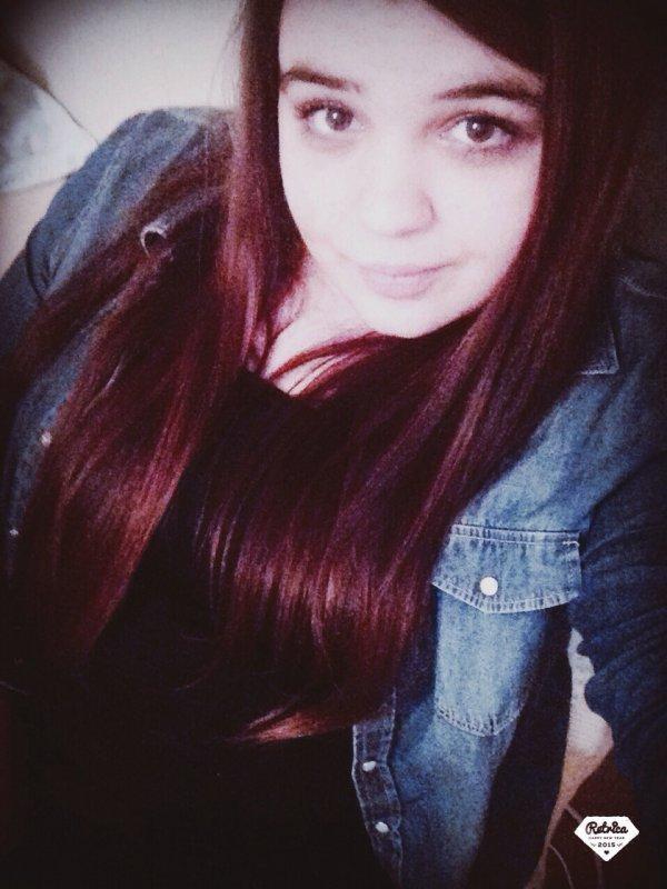 Une fille est sans défense, jusqu'à ce que son vernis sèche. 👊