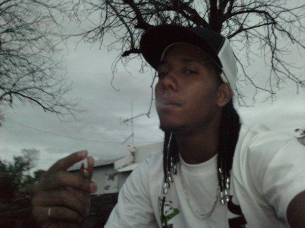 Smoke ganja !!!!!!!!