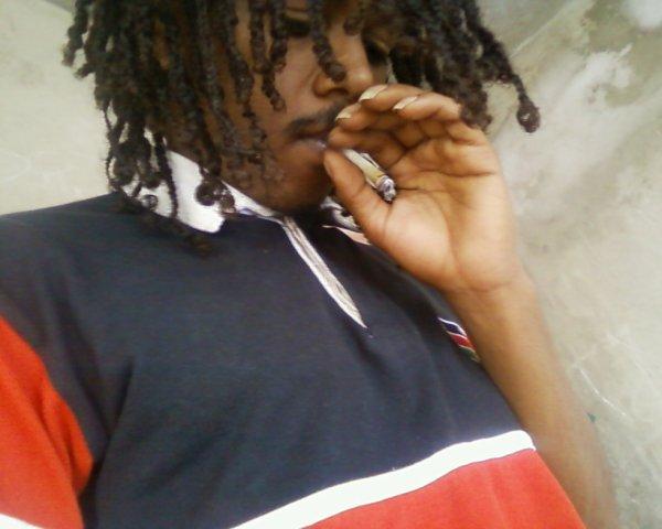 évacué mon passé en fument de la weed