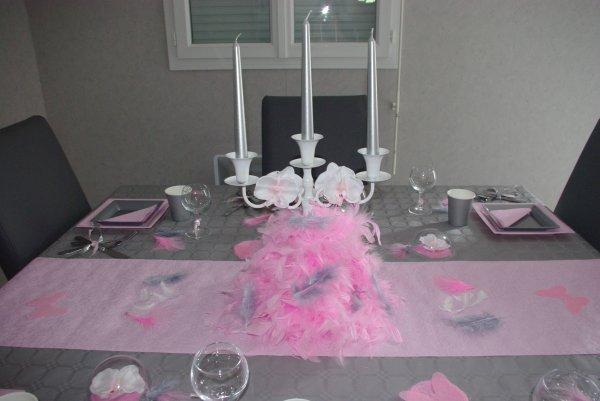Table rose et grise deco de table de christine - Decoration de table mariage rose et gris ...