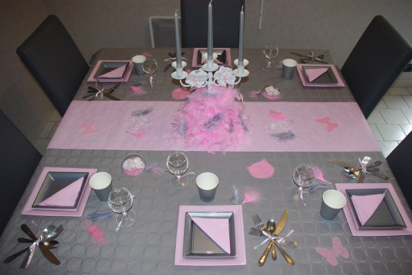 Table rose et grise deco de table de christine for Deco rose et gris