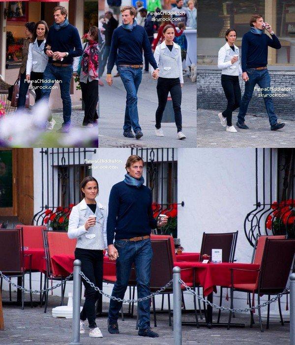 CANDID & EVENTS du 24 Août 2014 :  _________________________________________________  Pippa & Nico Jackson ont été vu dans les rues de Gstaad, dans la journée c'est à la Hublot Polo Gold Cup. En soirée Pippa dansait avec un parfait inconnu, mais il semblerait que ce soit son ami Vicomte.