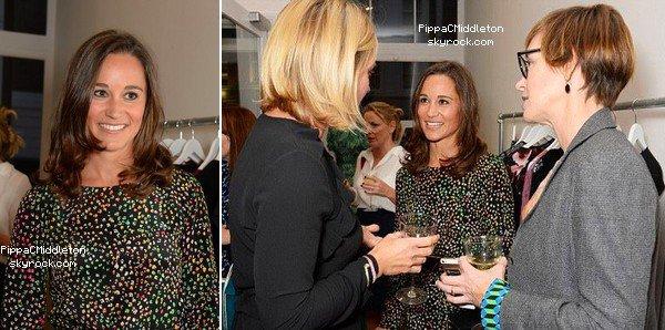 CANDID 23 Septembre 2014 :  _________________________________________________  Pippa s'est rendue à la Tabitha Webb shop Launch qui se tenait à Londres.