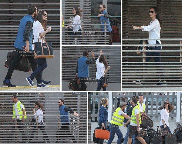 .   01.01.2016, Pippa & James arrivés à l'aéroport sur l'île d'Antigua.  .