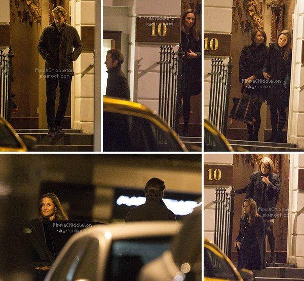 .   14.01.2016, Pippa, son boyfriend & Carole Middleton ont été vus quittant le restaurant Indien Rasoi  Chelsea.  .