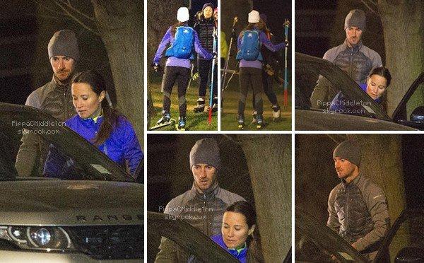 .   1?.02.2016, Pippa a été vue faisant du shopping dans le quartier de Chelsea.  .